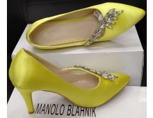 Manolo Blahnik MADELEINE PUMP